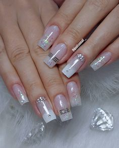 A imagem pode conter: uma ou mais pessoas e close-up Cute Acrylic Nail Designs, Fall Nail Art Designs, Summer Acrylic Nails, Best Acrylic Nails, Ambre Nails, Aztec Nails, Chevron Nails, Luminous Nails, Nail Designer