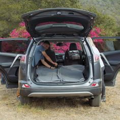 Jeep Wrangler Accessories Discover Best Air Mattress For Your Vehicle (Car Camping)! Minivan Camping, Truck Camping, Camping And Hiking, Camping Gear, Camping Hacks, Outdoor Camping, Camping Essentials, Land Rover Camping, Tent Camping Beds