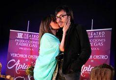 Veronica Castro y su hijo Michelle en la presentación de Aplauso, Un Musical Para Una Estrella.