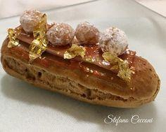 Eclair Chanel,ovvero una morbida pasta Choux farcita conuna raffinatacrema mousseline alla cannella e caramello.In pratica un piccolo scrigno di dolcezza irresistibile