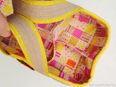 Like these bag straps  verykerryberry: Social Tote at Purse Palooza and Book Details