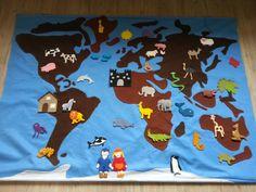 Wereldkaart met dieren van vilt