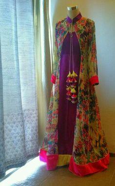 Blue, orange, voilet combination will work too Kurti Designs Party Wear, Kurta Designs, Blouse Designs, Lehenga Designs, Stylish Dresses, Casual Dresses, Fashion Dresses, Prom Dresses, Pakistani Outfits