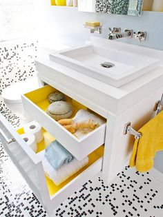 speckled tile floor! Bathroom via @LollyJaneBlog