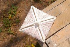 색실누비쌈지 Traditional Quilts, Korean Traditional, Tea Cozy, Korean Art, Textile Art, Hand Sewing, Arts And Crafts, Gift Wrapping, Textiles