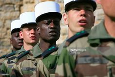 The 4th Foreign Regiment is the unit responsible for training the French Foreign Legion in Castelnaudary, with a duration of 15 weeks.