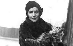 Wets Country property: Elinor Glyn, the socialite and novelist, made quite an impression when she visited Hillersdon for a ball in the Ernest Hemingway, Short Novels, Cartoon Birds, Cat Lady, Jon Snow, Vintage Photos, Egyptian, Famous People, Writers