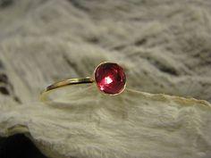 Pink 16 k gold filled Ring mit Pink quartz US size von Querbead, $62.00