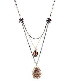 This is a fabulous fleur necklace!