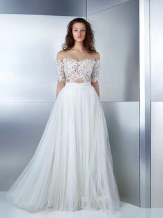 The latest bridal collection for Spring 2017 by Lebanese fashion designer Gemy Maalouf. #GemyMaalouf #Lebanon #Fashion #weddingdresses #bride2017