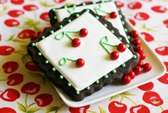 Ack! So cute!! How to make these cherry decorated cookies step by step. via Bake at 350