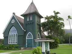 small church in Kauai - was there in this very church a few weeks ago for my best friends wedding! It was breath taking Abandoned Churches, Old Churches, My Father's House, Church Building, Old Doors, Place Of Worship, Beautiful Places, Kauai Hawaii, Hanalei Kauai