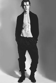 pedro bertolini — male models and body Male Model Body, Male Body, Male Models Poses, Male Poses, Body Reference, Male Photography, Attractive Men, Pretty Boys, Sexy Men