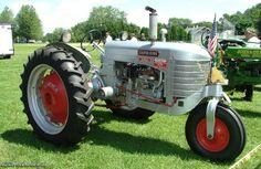 Silver King Tractor. Antique Tractors, Vintage Tractors, Old Tractors, Dodge Trucks, Old Trucks, Tractor Pictures, Tractor Pulling, Classic Tractor, Old Farm