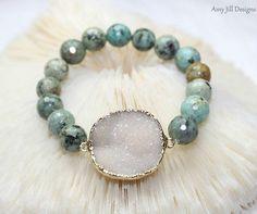 cool White Druzy Bracelet, Turquoise Beads, Drusy Quartz, Druzy Jewelry, Faceted Bead...