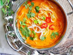 Easy and fast to make spicy Thai noodle soup. ready in 30 mins! (In English and Polish) Easy Soup Recipes, Thai Recipes, Veggie Recipes, Cooking Recipes, Pasta Recipes, Thai Noodle Soups, Spicy Thai Noodles, Best Thai Dishes, Asian Soup