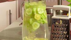 Voss Bottle, Cucumber, Detox, Food And Drink, Favorite Recipes, Smoothie, Drinks, Cooking, Health