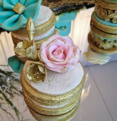 Blush and gold lace couture wedding cookie by Cupcake et Macaron Montreal
