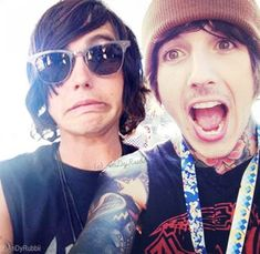 DUDE THAT'S KELLIN QUINN AND OLIVER SYKES FJHDKSHFAFDBCLKD