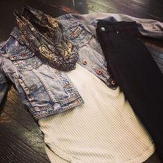 Turn those Monday blues tomorrow into a fashion statement! #mondayblues #casualcute #fallstyle #ootd #shadesofblue #dresstoimpress #boutiquelife #shoplocal #detailsboutique
