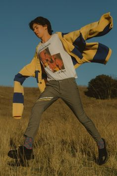 """JW Anderson, Raf Simons, OAMC & More Catch a Spotlight in New Union Los Angeles Editorial: Dubbed """"Longer Afternoons. Human Poses Reference, Pose Reference Photo, Mode Outfits, Retro Outfits, Hipster Outfits, Aesthetic Fashion, Aesthetic Clothes, Boy Fashion, Mens Fashion"""