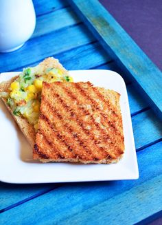 Creamy corn toast recipe: Very easy to make no cream potato corn toast,very delicious and filling breakfast/snack recipe @ http://cookclickndevour.com/2015/01/creamy-corn-toast-recipe-corn-potato-open-toast-recipe.html