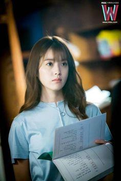 #W两个世界##韩孝周# 官网更新剧照 Han Hyo Joo Lee Jong Suk, Jung Suk, Watch Korean Drama, Korean Drama Movies, Korean Dramas, Korean Actresses, Korean Actors, Actors & Actresses, W Kdrama