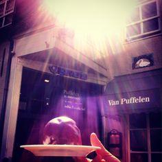 Bossche bol - Lunch- & Dinercafé Van Puffelen in Den Bosch