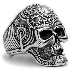 Skull biker ring. Este iría a juego con mi Mexican Tattoo Ring :)