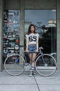 Her new Fixed-gear TIG Reynolds 525 Grey  #Wonder Bicycle#.