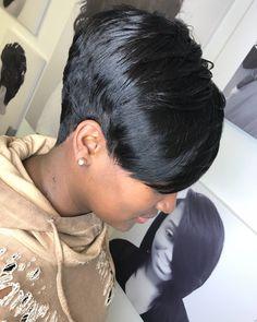 88 Gorgeous Pixie Haircuts for Older Women - Hairstyles Trends Short Pixie Haircuts, Cute Hairstyles For Short Hair, Weave Hairstyles, Curly Hair Styles, Short Sassy Hair, Short Hair Cuts, Pixie Cuts, Tapered Hair, Hair Affair