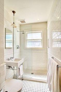 En ce moment , je réfléchis à l'aménagement d'une petite salle de bain un peu rétro. J'envisage : - un patchwork de carreaux de cim...