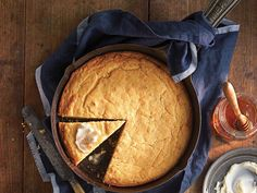 """The Southern Living Test Kitchen granted the """"perfect"""" moniker to Ben Mim's cornbread recipe, thanks to the extra flavor and superior texture his browned butter affords. This recipe and Cornbread Pudding with Whiskey Caramel Cornbread Pudding, Best Cornbread Recipe, Moist Cornbread, Skillet Cornbread, Cornbread Mix, Southern Living Cornbread Recipe, Buttermilk Cornbread, Scones, Hallowen Food"""
