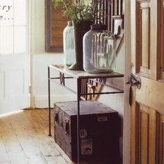Homestead Revival: Entry Hall Remodel - love the trunk! Country Chic, Country Life, Country Decor, Country Living, Country Casual, Cottage Living, French Country, Style At Home, Deco Zen