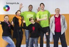 Uni-Riesen Walter Simon und Nicholas Freer mit Sweta und Jana