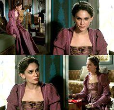 Princess Farya's magenta and gold dress, 2x07 - Magnificent Wardrobe