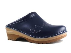 Orthopedic Clog - Troentorp Clog Benefits  ARCH SUPPORT:  Support in the arch of the foot is very important for those who stand on their feet long hours. Arch support provides equal weight distribution, relieving strain on the feet. It also promotes proper posture and alignment throughout the body which can relieve leg and back strain.