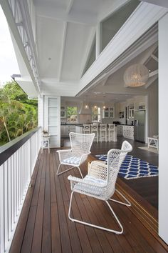 Queenslander Renovation into Hampton Style- Job: Hayley Lewis Set amongst a leafy hilly area in Brisbane's inner city suburb Norman Park, Greg Taylor and Ha. Hamptons Style Homes, Hamptons House, The Hamptons, Outdoor Living Areas, Indoor Outdoor Living, Hampton Furniture, Brisbane Architects, American Houses, Queenslander