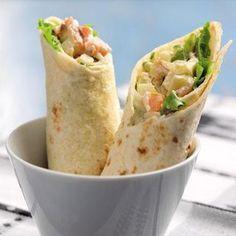 Wrapsen med laxröra är goda både som lunch och kvällsrätt.