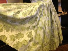 Beautiful heavy brocade green floral vintage dress and in a good size 12/14 too :-) £75