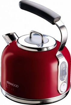 The stunning design of the Kenwood kMix Traditional Kettle makes a bold statement in any kitchen, complete with a base accented in a distinctive polished silver. Traditional Kettles, Kitchen Tools, Kitchen Appliances, Eclectic Kitchen, Marmaris, Red Candy, Kitchenaid, Retro Design, Homes
