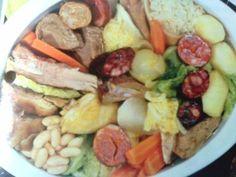 Receitas - Cozido à Portuguesa - Petiscos.com Rice Recipes, Cooking Recipes, Healthy Recipes, Portuguese Recipes, Portuguese Food, Portugal, Soul Food, Meal Planning, Food And Drink