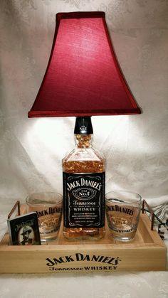 Jack Daniels Liter Whiskey Bottle Light Lamp Bar Decorations - Glasses- Playing Cards - Amber L Jack Daniels Lampe, Jack Daniels Decor, Jack Daniels Bottle, Whiskey Bottle Crafts, Alcohol Bottle Crafts, Alcohol Bottles, Alcohol Bottle Decorations, Liquor Bottle Lights, Liquor Bottles