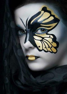 Looking for Halloween Makeup ideas to get your creative juices flowing and design. Have lots of fun with your Cool Halloween Makeup creativity this year. Cool Halloween Makeup, Pretty Halloween, Halloween Spaventoso, Women Halloween, Halloween Costumes, Face Painting Supplies, Body Painting, Butterfly Makeup, Butterfly Face Paint