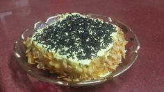 cake wid cornflakes and chocolate  vermicelli decoration