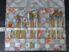 pochette (trousse) à pinceaux d'art en coton enduit papillons. : Peintures par ty-isabelle