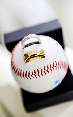 Fun and sporty way for baseball fans to display their wedding rings