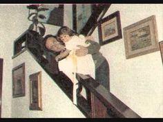 Papá te quiero mucho-MANOLO ESCOBAR CON SU HIJA VANESSA, 1982 Manolo Escobar, Frame, Youtube, Daughter, Te Quiero, Frames, Youtubers, Youtube Movies, Picture Frames