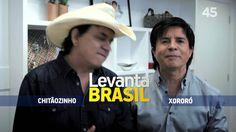 Artistas apoiam candidatura de Aécio Neves