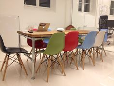 Blogg - Kundrecensioner Eames, Dining Chairs, Furniture, Home Decor, Decoration Home, Room Decor, Dining Chair, Home Furnishings, Home Interior Design